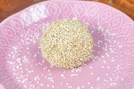 Шар рисовый с вишней