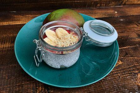 Десерт манго-чиа
