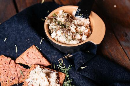 Рийет из лосося и креветок