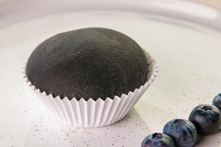 Десерт Вагаси с черникой
