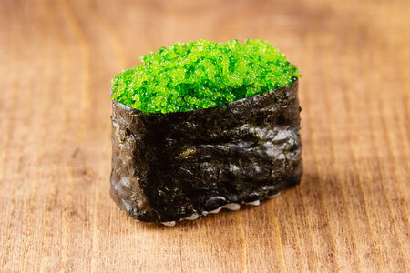 Гункан Тобико зеленая
