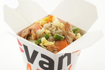 Вок цельнозерновой рис с индейкой в соусе Бангкок