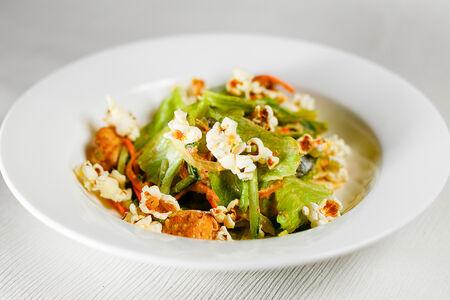 Салат куриный с попкорном