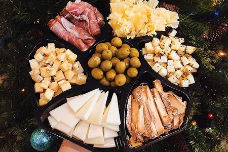 Сырная тарелка Праздничная