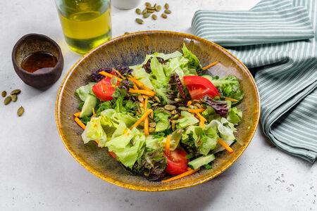 Салат Зеленый с соевой заправкой