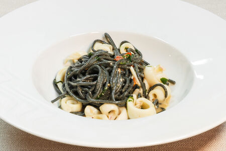 Спагетти  неро с кальмарами