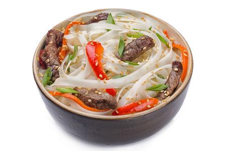 Рисовая лапша с говядиной