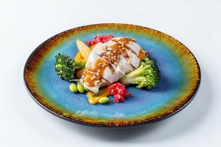 Куриная грудка с овощами и пюре из батата