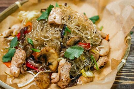 Лапша с курицей Мьен Сао Га