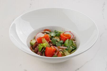 Салат из говядины с тайской заправкой