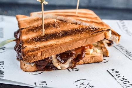 Сендвич пастрами