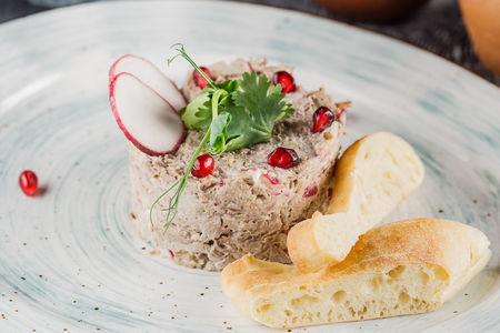 Салат по-тбилисски с телятиной