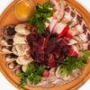 Фото к позиции меню Плато с мясными деликатесами