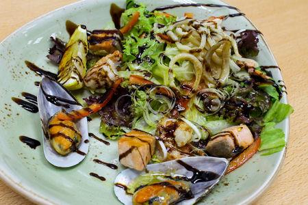 Салат Средиземноморский с морепродуктами