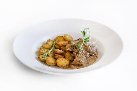 Говядина с грибами и картофелем