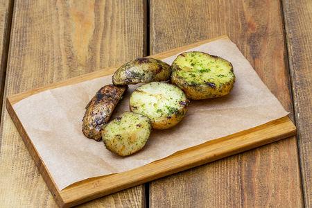 Картофель печеный на гриле