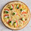 Фото к позиции меню Пицца с лососем и брокколи