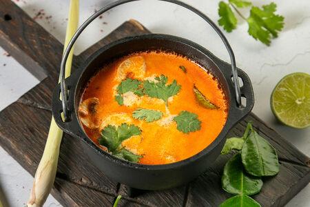 Суп Том Ям с креветками и грибами