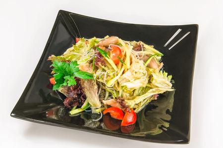 Салат из тонкой лапши Фунчоза с овощами