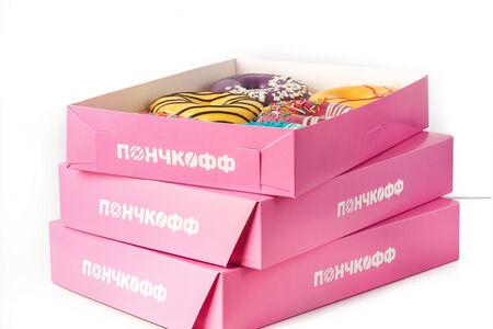 Восемнадцать пончиков ассорти