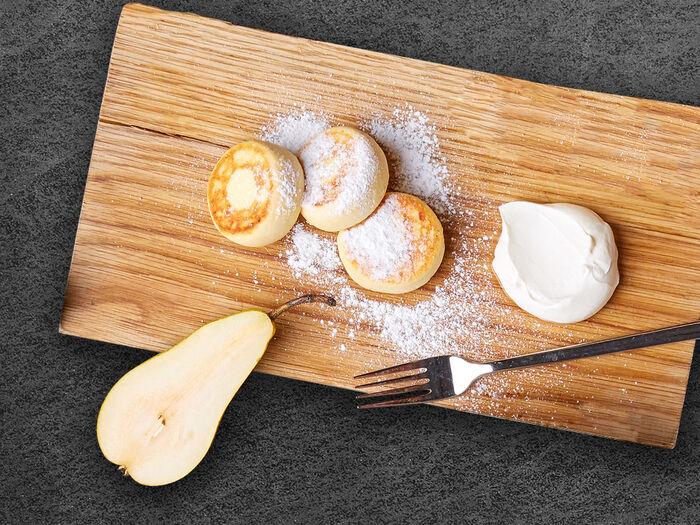 Ванильные сырники со сметаной