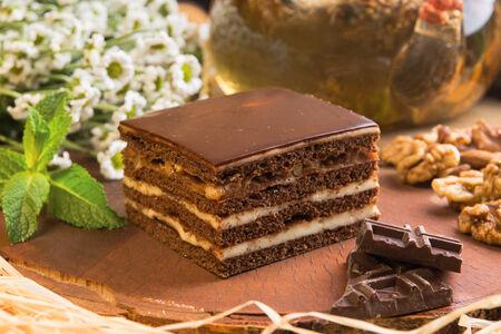Медовик на топленом шоколаде