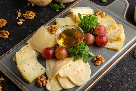 Ассорти фермерских сыров
