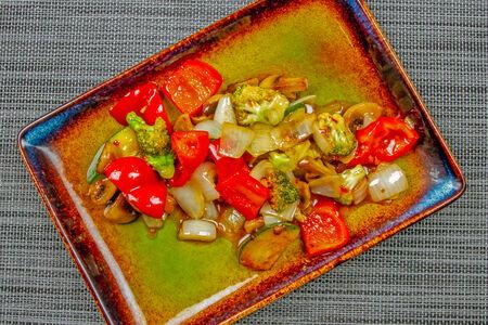 Овощи в пикантном соусе