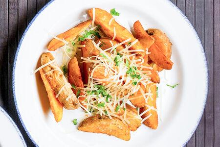 Картофельные дольки с Пармезаном