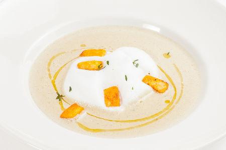 Суп крем с белыми грибами