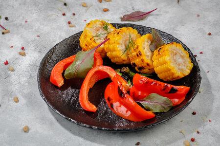 Кукуруза гриль с запеченным перцем