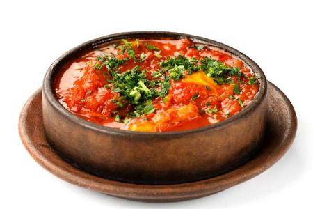 Чашушули из телятины с томлеными овощами и томатным соусом
