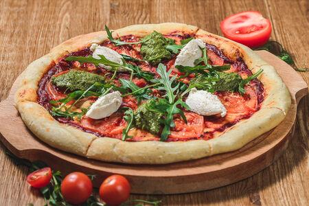 Пицца с миндальной рикоттой