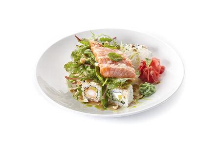 Кранч ролл с лососем и креветкой темпура