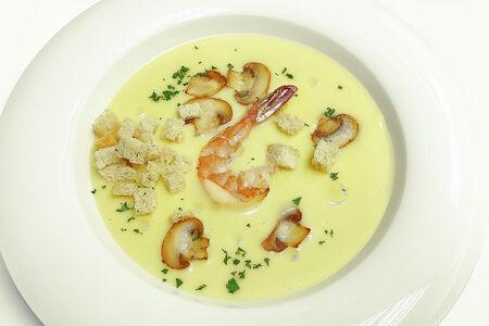 Сливочный суп с креветками и грибами