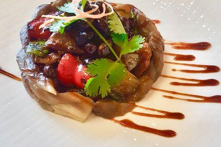 Утка вок с овощами в соусе Хой Син