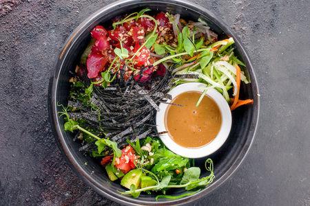 Гавайский салат Ахи Поке