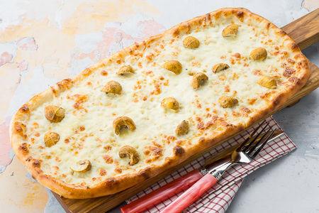 Пицца Сырная с грибами