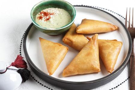 Брейваты - хрустящие марокканские пирожки с курицей