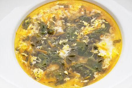 Щавелевый суп с копченой индейкой