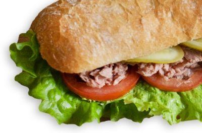 Сэндвич с тунцом постный на пшеничном хлебе