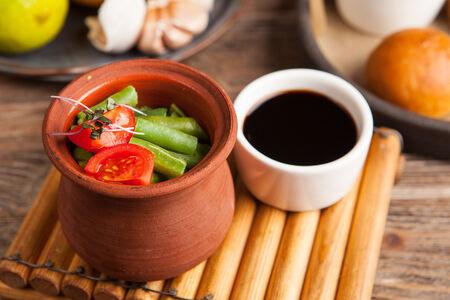 Стручковая фасоль с соевым соусом