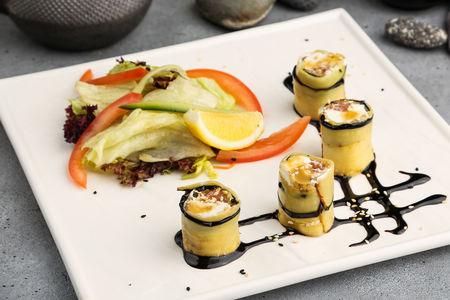 Рулетики из баклажана с лососем и сливочным сыром