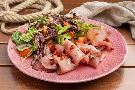 Салат с говяжьим окороком