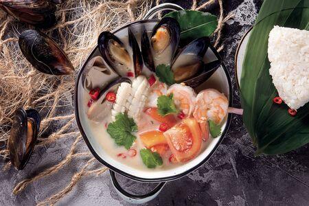 Суп Том кха с морепродуктами