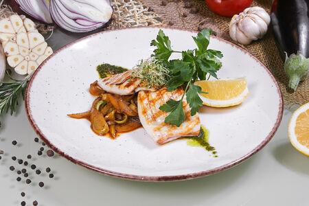Командорский кальмар с овощными спагетти