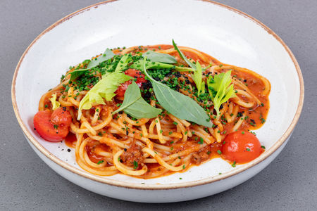Спагетти болоньезе из утки