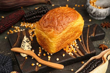 Кукурузный хлеб с подкопченным маслом