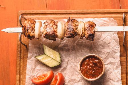 Шашлык из бараньей печени с курдючным салом