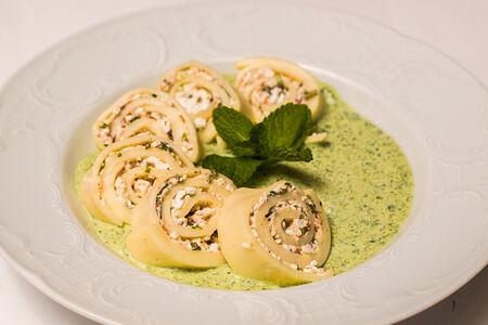 Гебжалия в шпинатном соусе